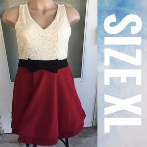 Color Block Red White Lace Dress